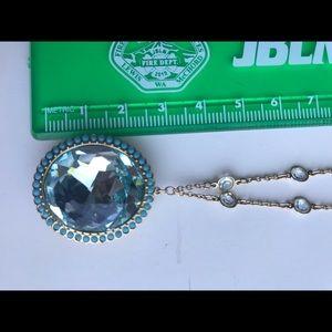EUC Swarovski Crystal and gold necklace